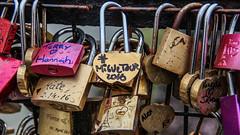 #miguetour2016 (Langel Photo) Tags: puente europa tour amor sena enamorados candados