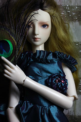 Dina (bentwhisker) Tags: doll jose feather peacock bjd resin 8756 dikadoll