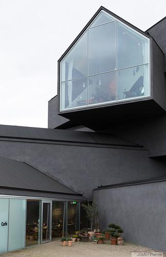 136766_Weil-am-Rhein, Vitra-Haus [Herzog-et-De-Meuron](avril2016)