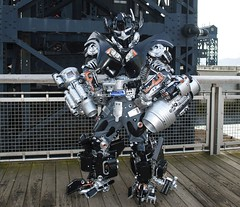 Brooklyn Ironhide (Brooklyn RobotWorks) Tags: brooklyn robot costume transformer cosplay robots transformers comiccon autobot paramount michaelbay nycc topkick nycomiccon ironhide ianbryce jessharnell peterkokis brooklynrobotworks