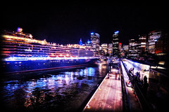 Queen Victoria & Sydney Skyline (Stuart Beards) Tags: city bridge skyline night harbour sydney circularquay cunard queenvictoria sydneyharbour sydneyharbourbridge manlyferry sydneybridge sydneyferries sydneyarchitecture sydneywaterfront msqueenvictoria sydneywharf cunardsydney sydneycityskylineatnight