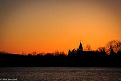 L'eau et le feu (alex.bernard) Tags: sunset canada canon river landscape spring sundown outdoor sigma calm rivière québec 5d paysage printemps calme coucherdesoleil 70200mm richelieu mcmasterville sigma70200mm rivièrerichelieu canon5diii