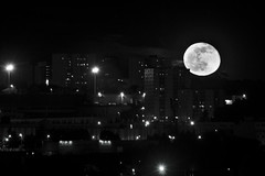 Rising moon (Lolo_) Tags: city moon france night lune marseille carrefour full 99 suburb rise nuit plein lunar ville lever merlan gibeuse