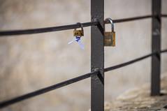 En el verano del 12 (SantiMB.Photos) Tags: espaa fence geotagged esp valla padlocks cataluna candados 2tumblr 2blogger casetesdepuigmoltoles geo:lat=4126482780 geo:lon=163666780