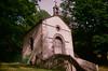 Chapelle abritant une source au dessus d'Orcival (Graphisme, Photo, et autres !) Tags: france castle church nature voigtlander medieval château eglise auvergne colorskopar ultron orcival 40mmf14 pontgibaud voigtlanderr3m