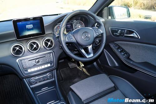 2016-Mercedes-A-Class-11