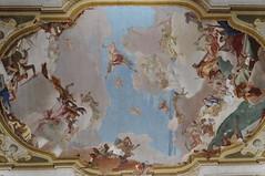 L'Apothose de la famille Pisani, Giambatistta Tiepolo, salle de bal, villa Pisani, 1720-1735, Stra, Ville mtropolitaine de Venise, Vntie, Italie. (byb64) Tags: italien italy architecture europa europe italia eu 18th villa venise venezia affreschi fresco italie brenta pisani pavillon trompeloeil ue fresko 1700 dcors fresque dcor tiepolo 1762 frescos veneto frescoes atlante trampantojo preti fresques settecento stra venetien villapisani xviiie vntie giambattistatiepolo salledebal villgiature provinciadivenezia lanazionale frigimelica provincedevenise cittmetropolitanadivenezia apothosedelafamillepisani