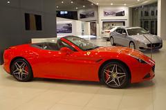 Ferrari California T & Maserati Quattroporte (Santix_24) Tags: california city red cars hardtop t mexico grey rojo df pentax gray convertible ferrari exotic turbo showroom autos maserati dealer quattroporte agencia k50 exoticos cdmx santix24 santixruizdech santiagoruizdechavez