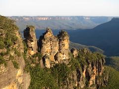 Three Sisters (IMG_2266_s120) (pj_in_oz) Tags: landscape outdoors australia bluemountains nsw threesisters