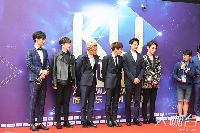 160329 SHINee @ 2016 KU Asia Music Awards' 25588849504_813902faf7_z