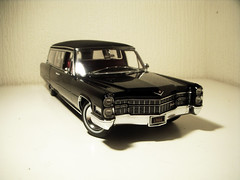 1966 Cadillac S&S Park Row Limousine Style Hearse 1:18 Diecast by Precision Miniatures (PaulBusuego) Tags: park roof ohio usa scale car station by america sedan wagon dead toy photography death miniatures miniature coach model gm general lima side ss vinyl superior victoria row 1966 cadillac eldorado ambulance motors professional collection miller funeral american commercial lincoln vehicle precision series greenlight chassis custom coffin loader 75 deville saloon luxury limousine hearse v8 built meteor fleetwood 1965 118 deceased sayers luxurious diecast vynil 3way mortuary procar landau coachbuilt landaulet scovil accubuilt