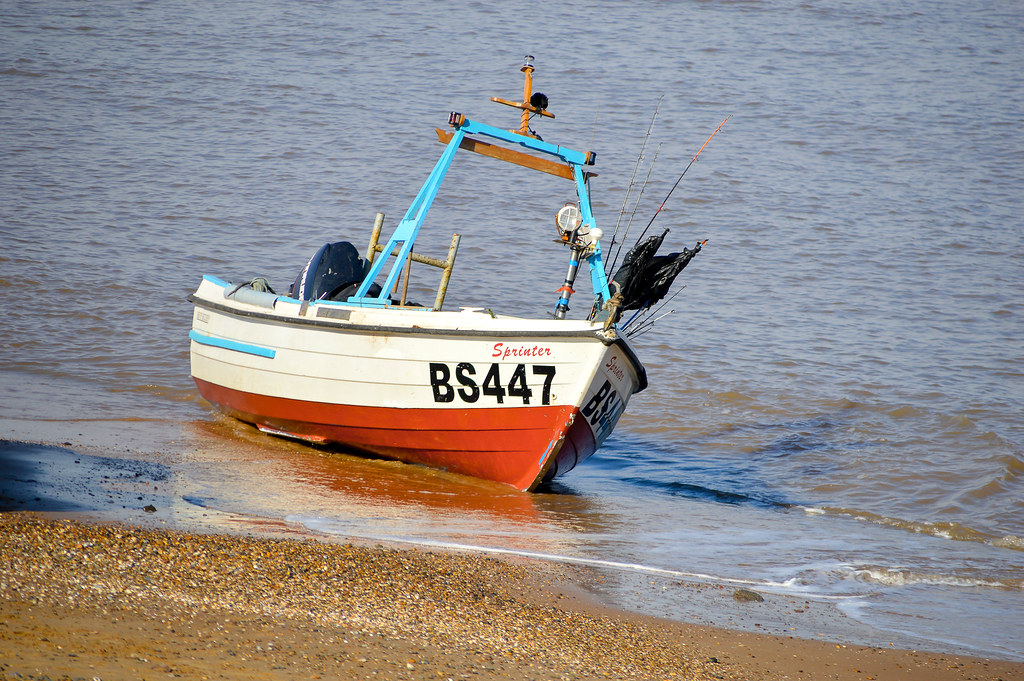 The world 39 s best photos of humber and vessel flickr hive for Best river fishing boat