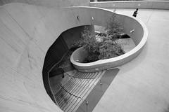 going down (UnprobableView) Tags: chicago building aqua escalera staircase escada acqua aquatower unprobableview manuelmiragodinho janegang
