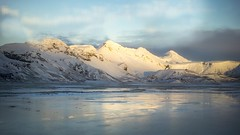 Iceland Mountain Peaks Sunrise (Scrooge0) Tags: travel sunset mountains ice sunrise golden landscapes iceland goldenhour frozenlake travelphotography mountainpeaks iseland goldenrays goldencircletour a7s sonya7s