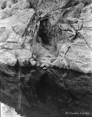 The Face in the Cave (claudiov958) Tags: arizona blackandwhite bw blancoynegro film ngc rodinal pretoebranco biancoenero sabinocanyon ilfordhp5plus pentax67ii pentaxart photoka smcpentax6745mmf4 claudiovaldes