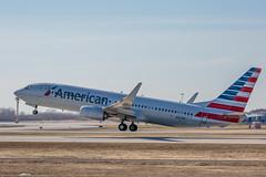 DL1L4113 (rubicon_dan) Tags: american boeing spotting 737 yul 737800 738 n897nn