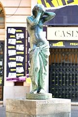 Mar_0435 (Joanbrebo) Tags: barcelona art statue estatua poblenou autofocus efs18135mmf3556is canoneos70d