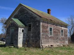 Former one-room schoolhouse in Westport, Ontario (Ullysses) Tags: ontario canada spring westport oneroomschoolhouse ruralschool printems colerurale coleaclasseunique