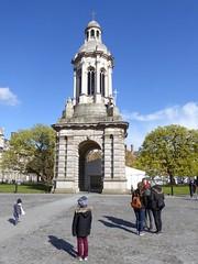 Dublin, Ireland (PaChambers) Tags: city ireland urban dublin irish spring europe capital eire april 2016