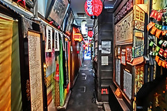 alley, Sennichimae, Osaka (jtabn99) Tags: road japan shop store alley nippon osaka hozenji narrow dotonbori     hdrartmode 20160202