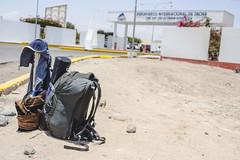 Flughafen von Tacna (Full Frame Visuals) Tags: airplane flight roadtrip luggage backpack flugzeug reise tacna gepck dokumentation reisebericht