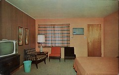 Kum Back Inn, Vinvennes, Indiana (SwellMap) Tags: architecture vintage advertising design pc chair 60s fifties postcard suburbia style motel kitsch retro lodge nostalgia chrome americana motor 50s lamps roadside googie populuxe sixties babyboomer consumer coldwar midcentury spaceage atomicage