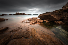 Granitic World VI (Tony N.) Tags: world longexposure sky bw france water clouds rocks eau europe bretagne ciel armor transparency granite britanny monde nuages transparence rochers vanguard ploumanach poselongue ctedarmor d810 nd110 tonyn cotedegraniterose nikkor1635f4 tonynunkovics