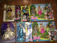 Birthday gifts / Dolls (Bloom142) Tags: beauty high stacie barbie skipper move chou made after ever elsa cinderela fashionistas rosabella minies