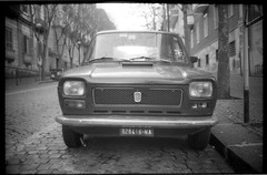 (Fiat 127 Prima Serie) (Robbie McIntosh) Tags: leica blackandwhite bw film monochrome car analog 35mm classiccar fiat streetphotography rangefinder bn 127 negative 400 neopan mp analogue pushed summilux biancoenero argentique dyi fujineopan400 selfdeveloped 800iso pellicola analogico leicamp fiat127 microphen leicam filmisnotdead autaut microphen10 leicasummilux35mmf14i leicasummilux35mmf14 summilux35mmf14preasph summilux35mmf14i