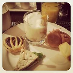 Empezando la mañana con un desayuno a lo holandés...con queso!!!!.. :-p