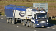 YN61 AVC (panmanstan) Tags: truck wagon motorway yorkshire transport lorry commercial vehicle cf bulk m62 daf