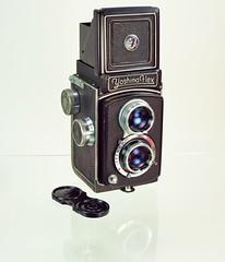 Yashima Flex 1954 (www.yashicasailorboy.com) Tags: camera japan studio photography 1954 120film yashima 6x6cm yashimaflex