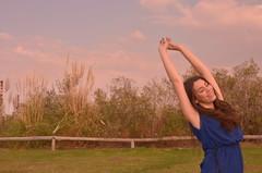 Luna  (para perpetuar) Tags: blue portrait sun green sol girl smile outside atardecer 50mm daylight model buenosaires nikon dress retrato reserva 18mm ecologica 15aos nikonuser