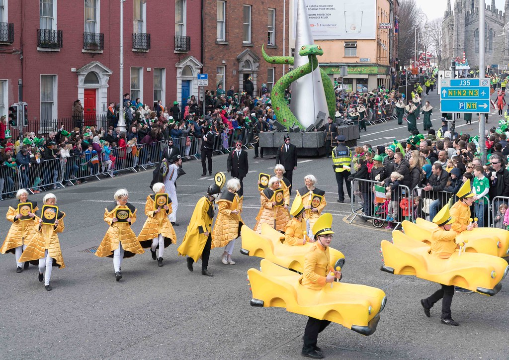 RETURN OF THE SNAKES BY BUI BOLG [SAINT PATRICK'S DAY PARADE]-112693