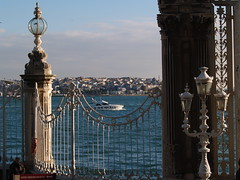 Dolmabahe Palace and the Bosphorus, Istanbul (Steve Hobson) Tags: istanbul palace bosphorus saray dolmabahe