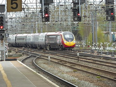 390040 arrives at Crewe (18/4/16) (*ECMLexpress*) Tags: west coast trains class virgin crewe emu 390 pendolino wcml 390040