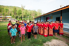 Karen Kids Outside the Dorm 7617 (Ursula in Aus - Away) Tags: thailand thep maehongson