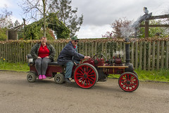 Sunday's Smiling Steamers (Kev Gregory (General)) Tags: show public canon shopping garden model events centre year sunday traction engine engineering run exhibit hobby steam where final 7d april third around held visitors gregory neighbour kev 24th preparation spalding 2016 springfields