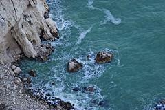 Passo del Lupo, Monte Conero (Raphal Mangiapia) Tags: italy nikon mare natura monte roccia conero marche paesaggio scogli scogliera schiuma allaperto