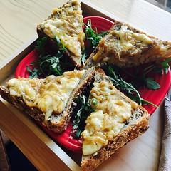 Thanks for snacking with our French onion toast! @jcmary13 Pre brewery snack. #frenchoniontoast #bucketandbay (bucketandbay) Tags: jerseycity gelato bucketandbay