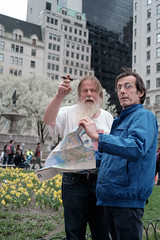 XT1-04-29-15-172-2 (a.cadore) Tags: nyc newyorkcity color zeiss centralpark candid midtown uptown fujifilm pointing carlzeiss xt1 biogont2828 zeissbiogon28mmf28 classicchrome fujifilmxt1
