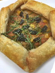Gluten free veggie galette with tomatoes, onions, garlic, black garlic, basil, yellow bell peppers and broccoli (Jackie_pastry_escoffier) Tags: tomato broccoli garlic basil onion galette glutenfree yellowbellpepper blackgarlic glutenfreegalette