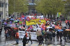 1. Mai 2016: Wir sind alle Flchtlinge (Christian Natiez) Tags: demo schweiz switzerland zurich may demonstration mai sev zrich mayday laborday labourday 1mai unia 2016 tagderarbeit gewerkschaften gewerkschaft vpod gewerkschaftsbund syndicom file:md5sum=5f90f3748034b8c74cbbf51d307a5b5afilesha1sig8feebc0f84e57677e9a75d396203baf0b79651152016 gbkz