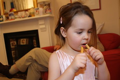 Snack (didius_falco) Tags: caitlin