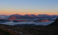 Morning sun (Mrs.Snowman) Tags: norway hiking sundaymorning westcoast sulafjellet