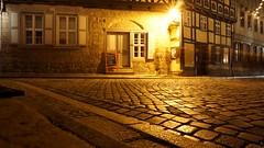 Little Street (Moogli0815) Tags: gold golden licht sony nachtaufnahme gasse langzeitbelichtung quedlinburg strase langzeitaufnahme sonyalpha6000