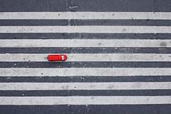 Fast Lane (C_MC_FL) Tags: auto street red rot lines car canon toy photography eos fotografie ground minimalism asphalt tamron minimalistic spielzeug topview boden linien gehsteig minimalistisch spielzeugauto strase 18270 tactilepaving 60d b008 blindenleitsystem