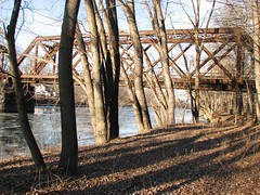 THE RAILTRAIL OVER THE WALLKILL IN JAN 2016 (richie 59) Tags: trestle bridge trees winter usa ny newyork water leaves rural america river outside us weeds rust unitedstates weekend steel country sunday rusty trail rusted steelbridge rusting newyorkstate nys nystate railtrail hudsonvalley walkingtrail oldbridge 2016 railroadtrestle ulstercounty midhudsonvalley trussbridge wallkillriver rustybridge midhudson ulstercountyny 2010s richie59 townofnewpaltzny townofnewpaltz jan2016 rustytrestel jan312016