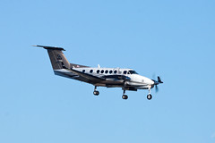 Private Beech B200GT Super King Air N344WB (jbp274) Tags: airport airplanes beechcraft beech sna kingair b200 johnwayneairport superkingair ksna bizprop