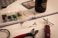 getting ready (Tomsoron) Tags: fishing steel leader pike stahl angeln hecht crimp giesing 7x7 krimpen vorfach